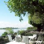 Terrasse avec vue sur la Loire