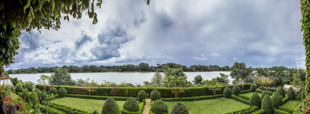 Panoramic views of the Loire